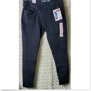 Signature Levis Jeans Sz 12M Low Rise Jegging